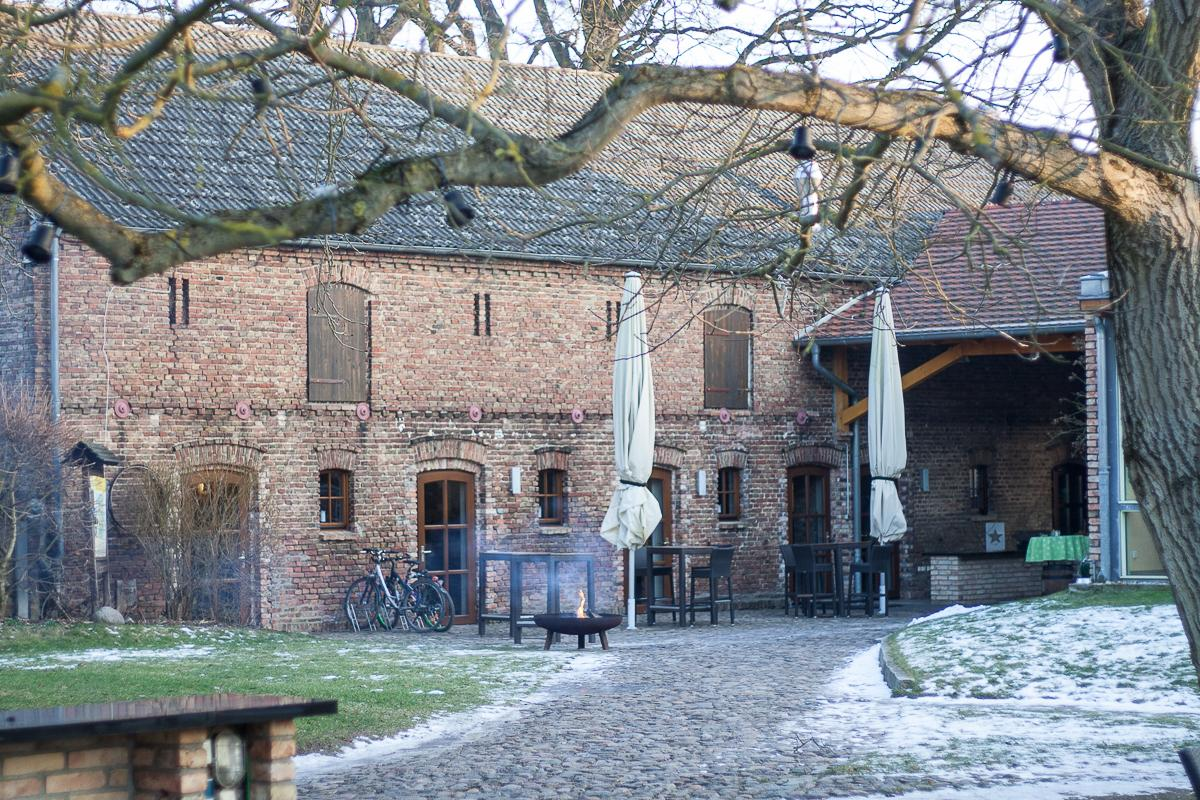 Gasthof zur Linde Wildenbruch Flaeming Innenhof | Pinspiration