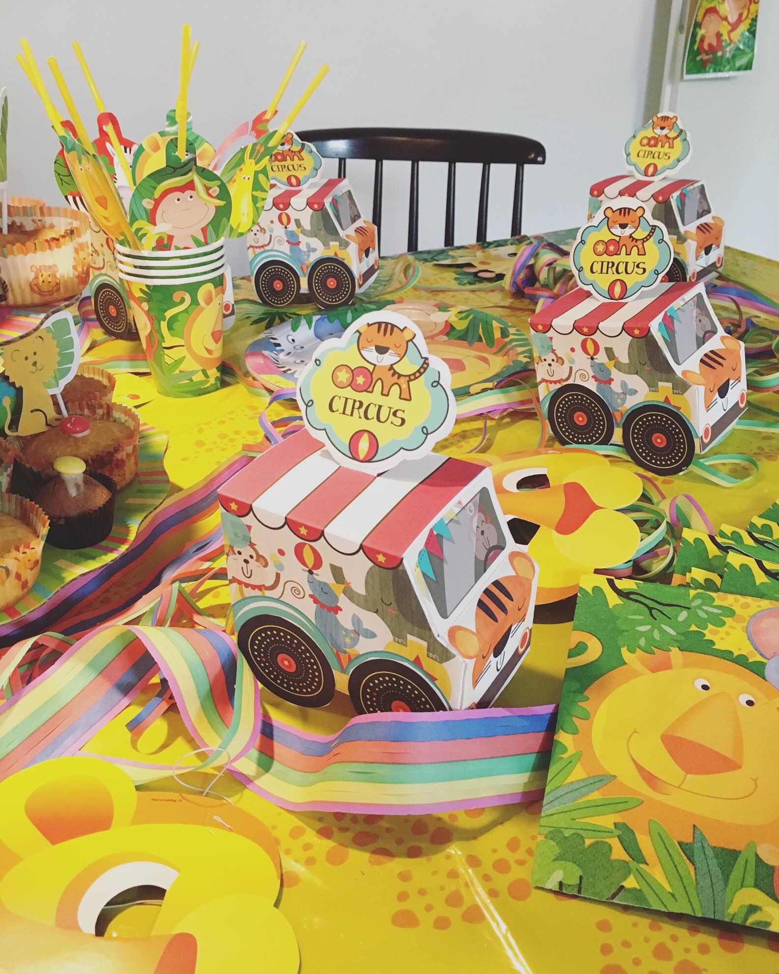 Kindergeburtstag planen mit Pinterest: Friedrichs Loewenparty Tischdekoration