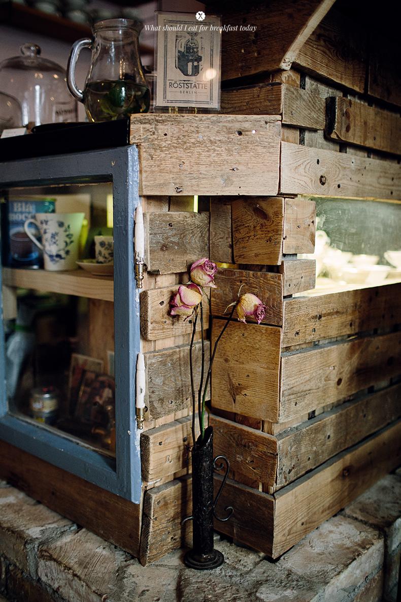 Cafe-Valentin Interior Details