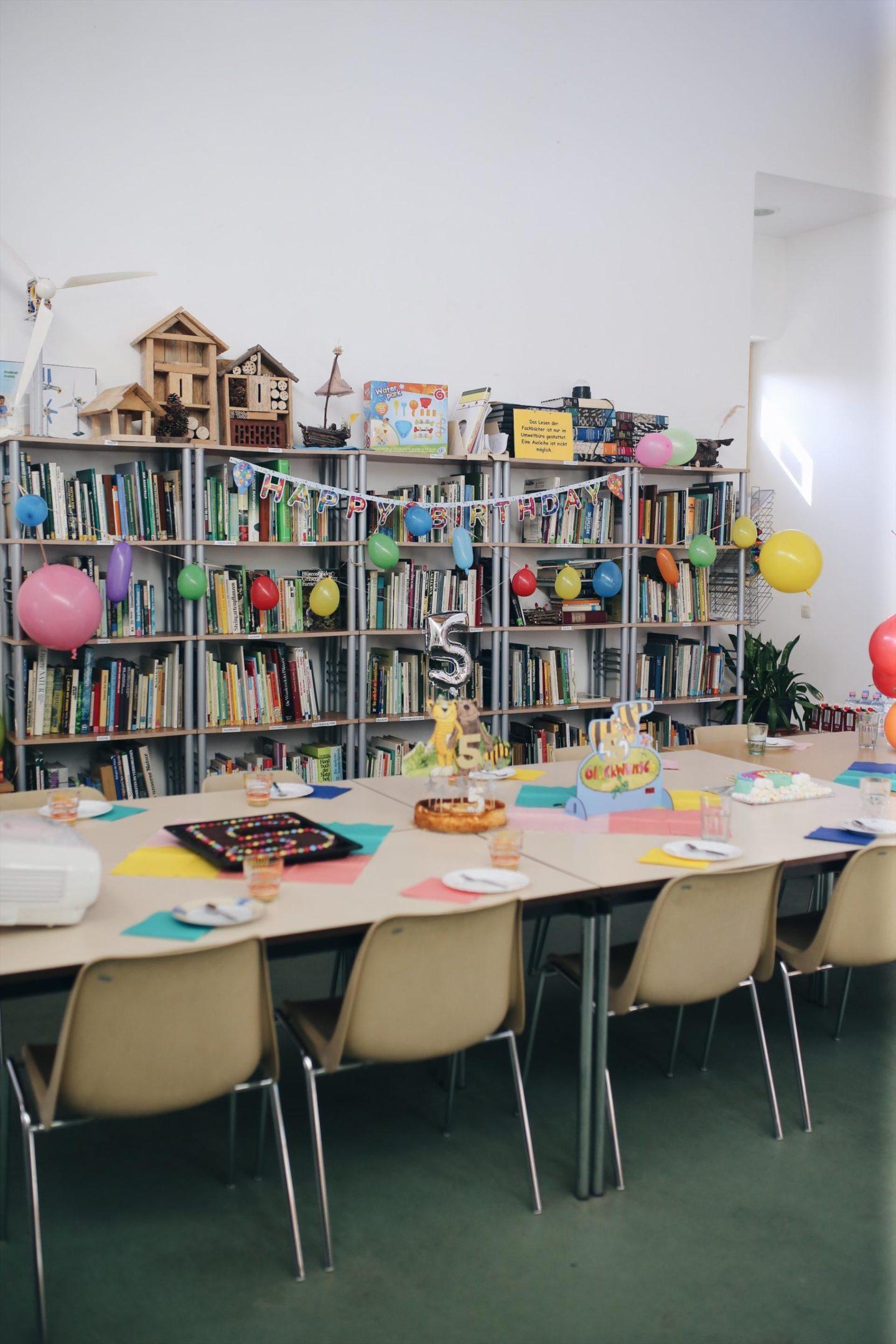Friedrichs 5. Janosch Kindergeburtstag: Komm, wir finden einen Schatz! | Kindergeburtstag mit Montessori Ritual, Umweltbüro Schatzsuche, gepimpten Torten einfach zum selber machen | Pinspiration.de