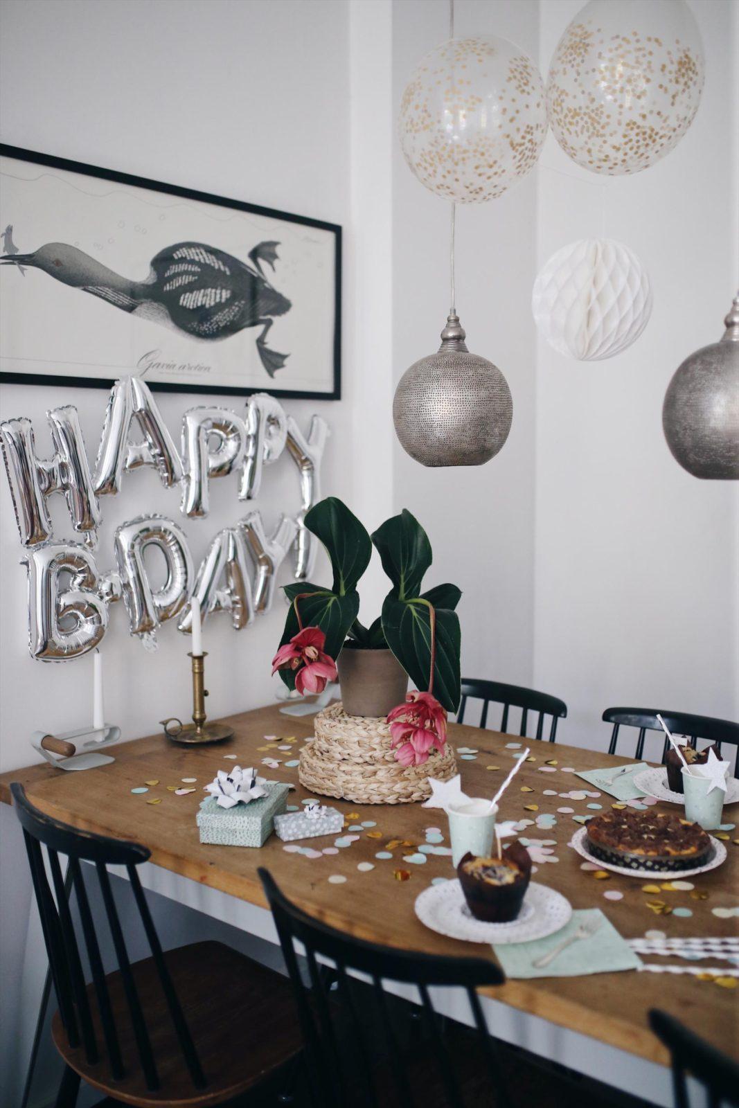 Tipps für einen entspannten Geburtstag mit russischen Zupfkuchen Rezept | #Geburtstagstipps #backende #Geburtstag #Kuchenrezept #russischerzupfkuchen #Geburtstagsideen | Pinspiration.de
