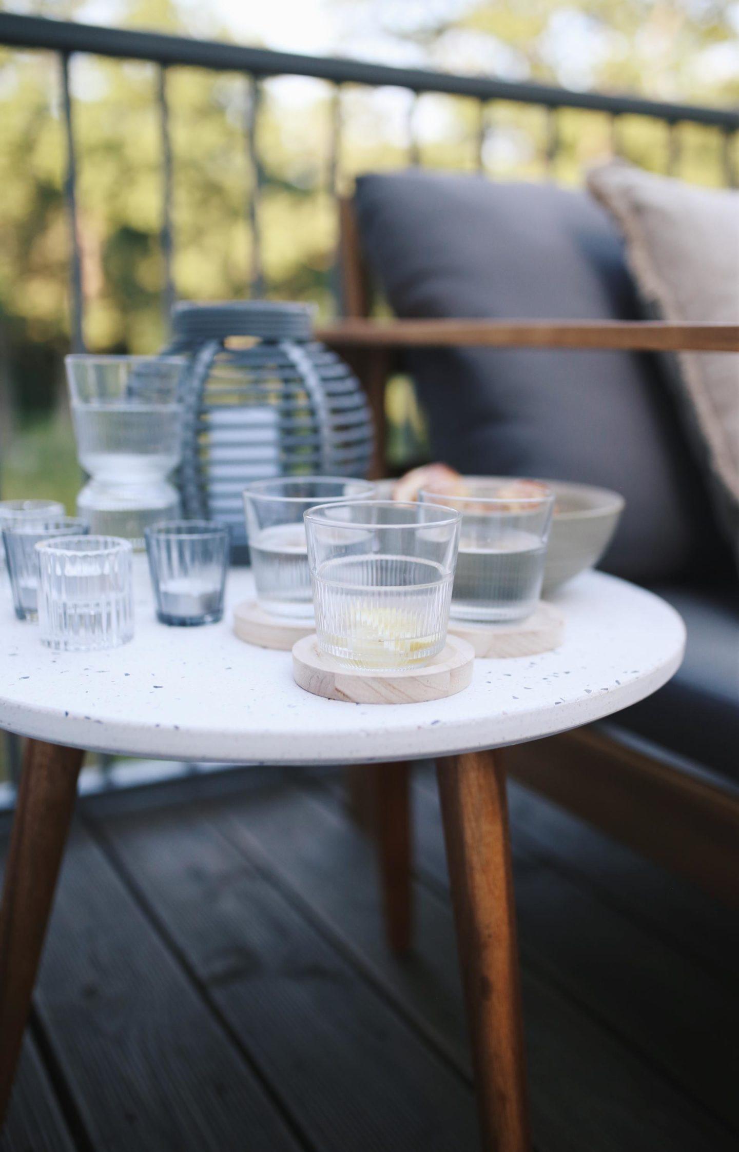 Werbung. Himmel ist das lecker! Unser Lieblingsplatz auf unserer Terrasse & das Rezept für eine moderne Charcuterie-Platte. Der Pinterest Trend 2021.