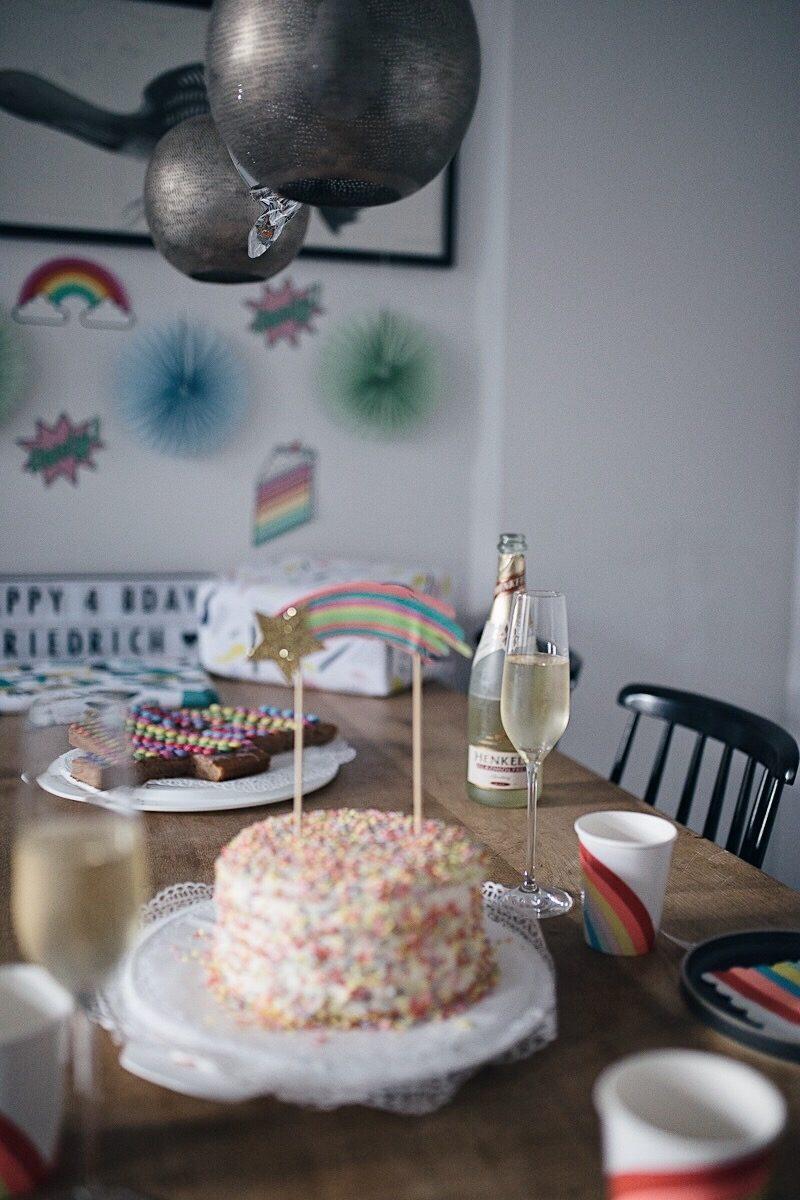 Friedrichs spritziges Regenbogen-Kindergeburtstags-Frühstück | Henkell x Pinspiration